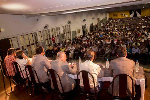 Professores, alunos, escritores e estudiosos na abertura do II Clisertão | Foto: Costa Neto