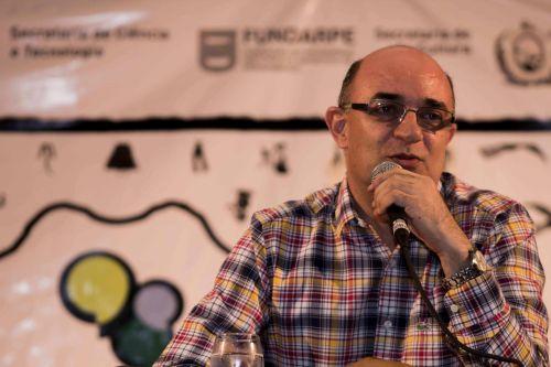 Proessor Durval Muniz (UFRN) desconstruiu a imagem estereotipada do Sertão | Foto: Costa Neto